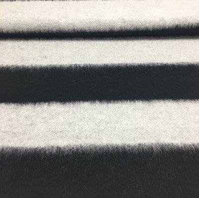 mantelstof wit en zwarte horizontale strook